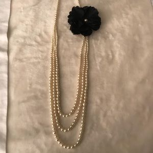 Forever 21 Jewelry - Forever 21 Faux Pearl Necklace